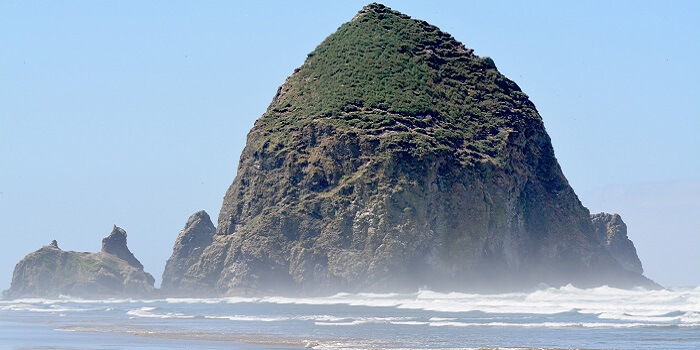 Cannon Beach, Oregon allow alcohol