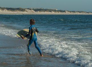 Best-Skimboarding-Beaches-In-The-US