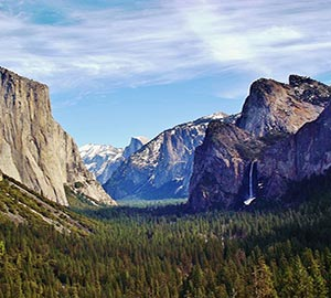 Yosemite National Park Attraction: Tunnel View