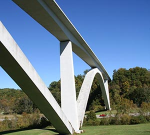 Franklin Attraction: Natchez Trace Parkway Bridge