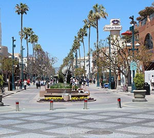 Santa Monica State Beach Attraction: Third Street Promenade