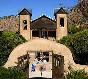 El Santuario de Chimayo Neighborhoods
